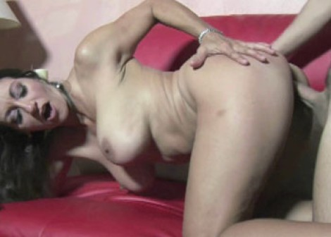 Busty MILF Persia gets her pussy pounded